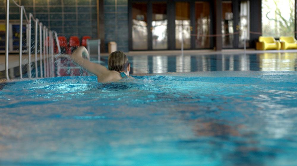 schwimmbecken4
